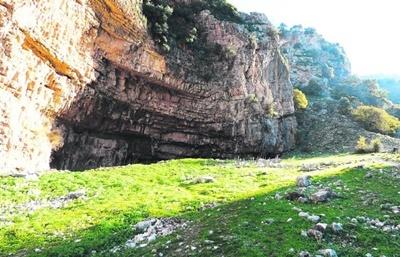 Viista a las cuevas de Toril.